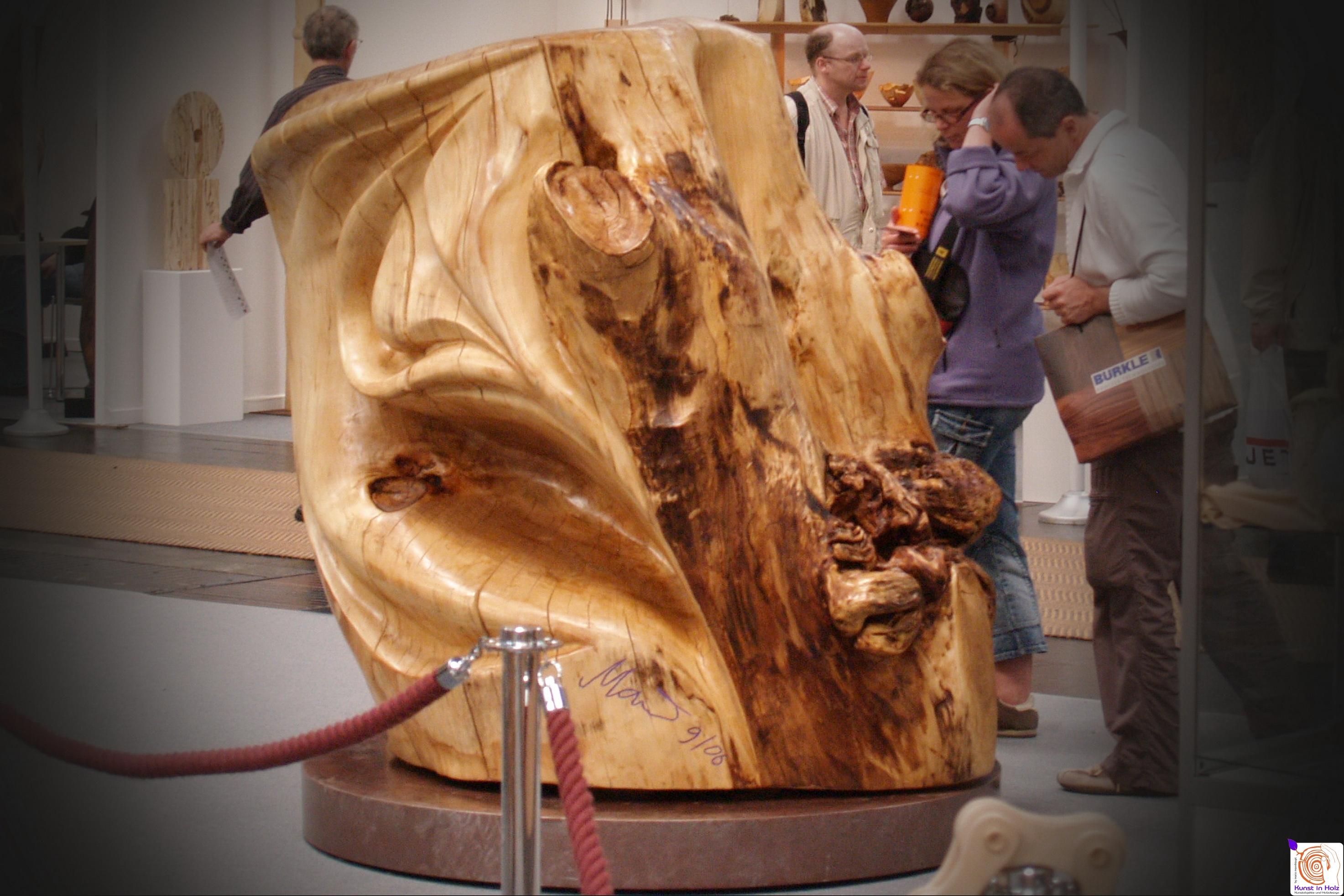 Kunstobjekt mit 2 Meter Durchmesser
