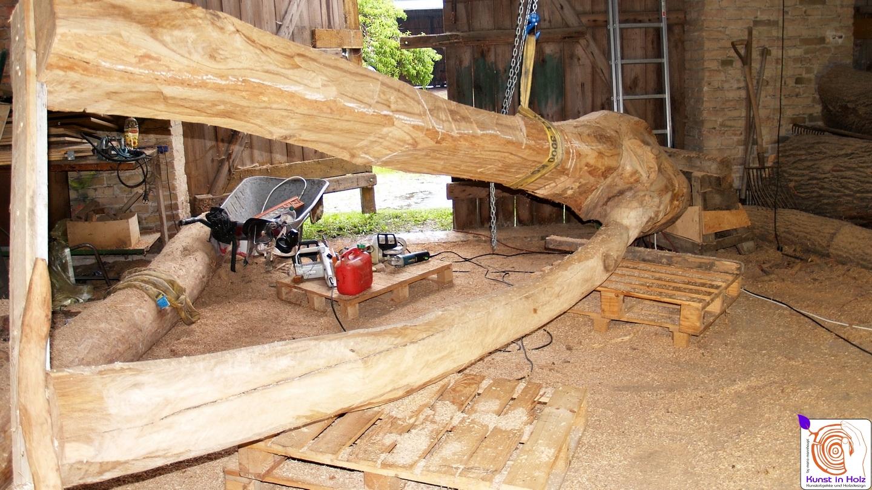 Große Holzskulptur aus Hartholz - Bildhauerei Mario Mannhaupt