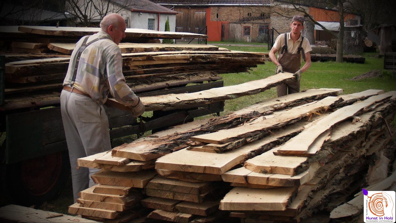 Holzschnitzen mit Hartholz