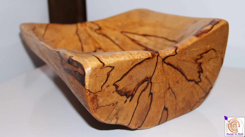 Holzschalen aus Birke und Robinie