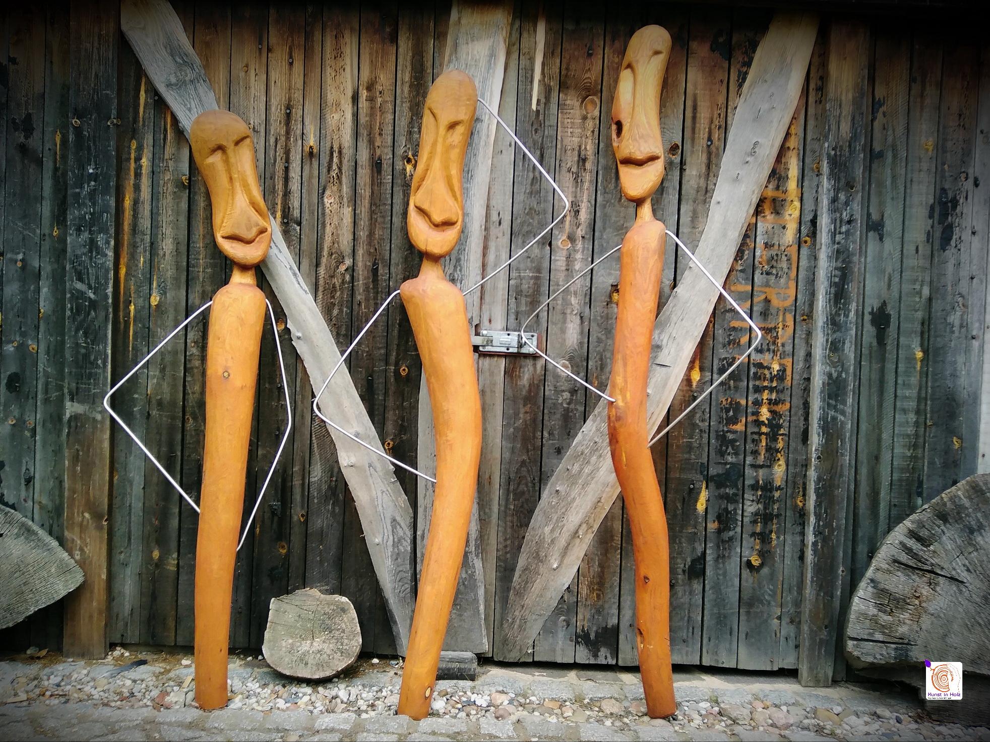 Verkauf von Unikaten: Skulpturen aus Robinenhartholz